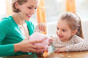 Dạy con cách tiêu tiền đúng cách, khoa học từ thuở lọt lòng